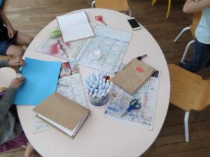 La création des cahiers.